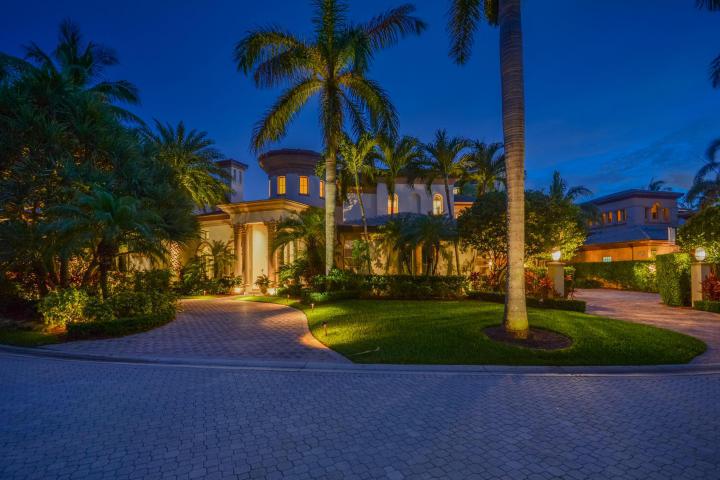 1008 Grand Court Highland Beach FL 33487