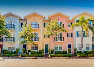1008 E Heritage Club Circle, Delray Beach, FL 33483