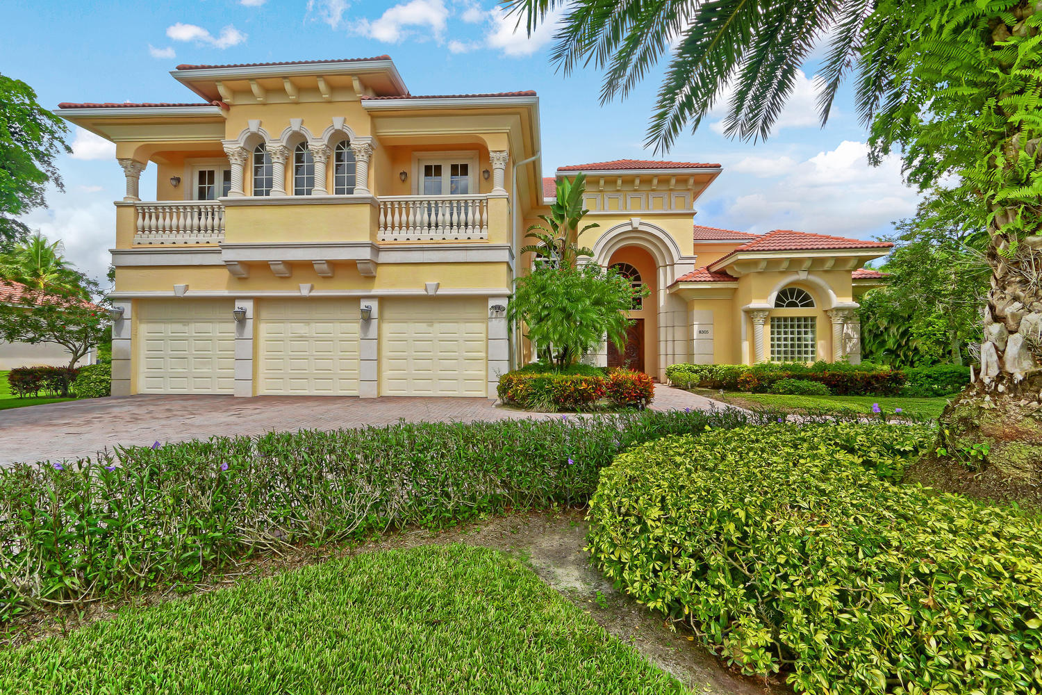 Home for sale in Bay Hill Estates Palm Beach Gardens Florida