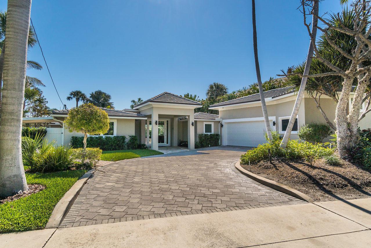 714 Lake Drive, Lantana, Florida 33462, 4 Bedrooms Bedrooms, ,4.1 BathroomsBathrooms,Single Family,For Sale,Lake,RX-10473422