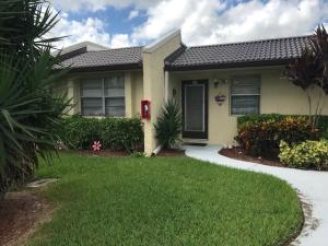 205 Lake Meryl Drive, West Palm Beach, FL 33411