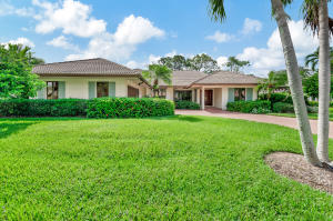4 Berwick Road, Palm Beach Gardens, FL 33418