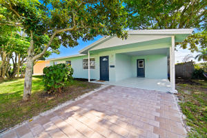 3160 Capri Road, Palm Beach Gardens, FL 33410