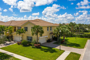 4751 Cadiz Circle, Palm Beach Gardens, FL 33418