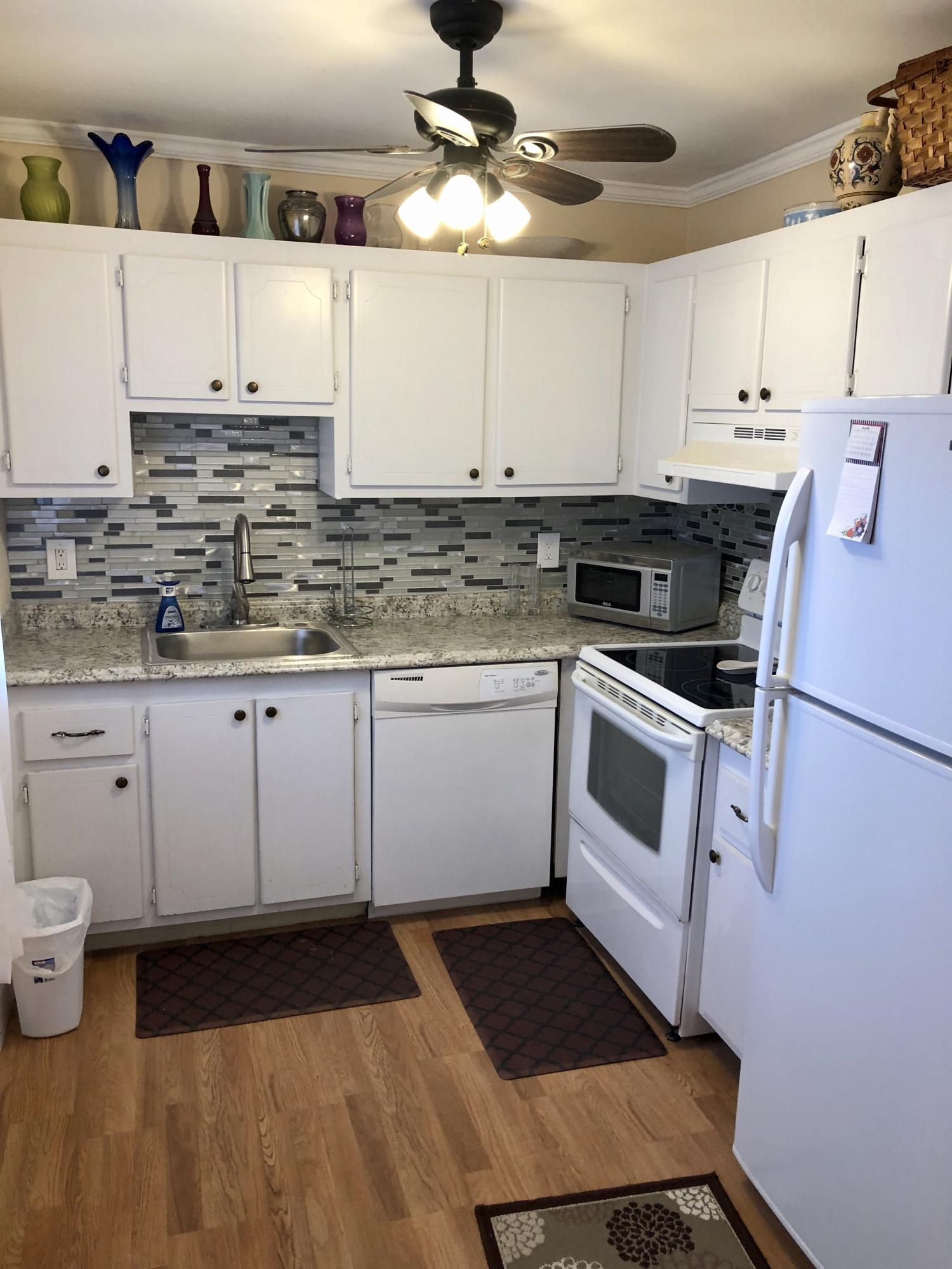 465 Saxony J, Delray Beach, Florida 33446, 2 Bedrooms Bedrooms, ,2 BathroomsBathrooms,Condo/Coop,For Sale,Kings Point,Saxony J,2,RX-10474647