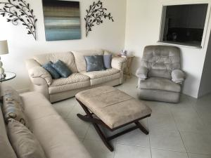7 Easthampton A, West Palm Beach, FL 33417