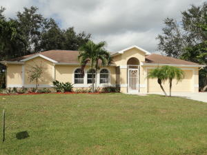 2714 NW Florida Avenue, Stuart, FL 34994