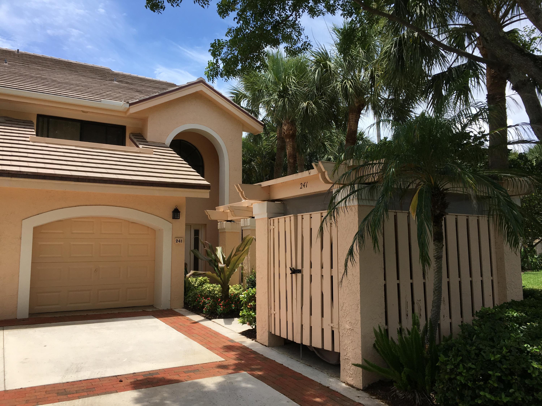 3940 Back Bay Drive, Jupiter, Florida 33477, 3 Bedrooms Bedrooms, ,2 BathroomsBathrooms,Condo/Coop,For Sale,JONATHANS LANDING,Back Bay,2,RX-10475223