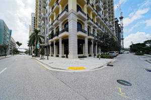 701 S Olive Avenue, 115-116
