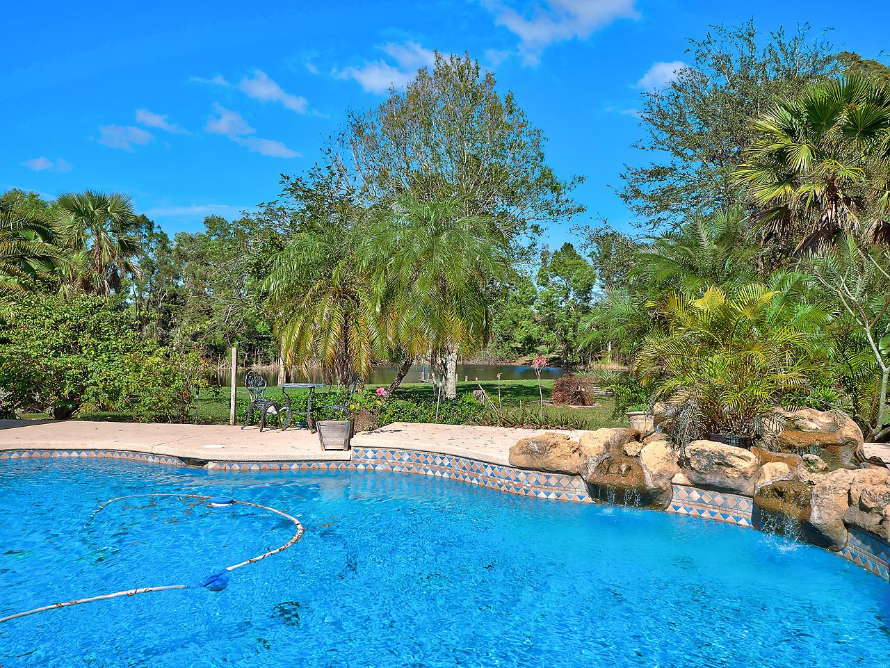Wellington- Florida 33414, 5 Bedrooms Bedrooms, ,2 BathroomsBathrooms,Residential,For Sale,Halter,RX-10475495