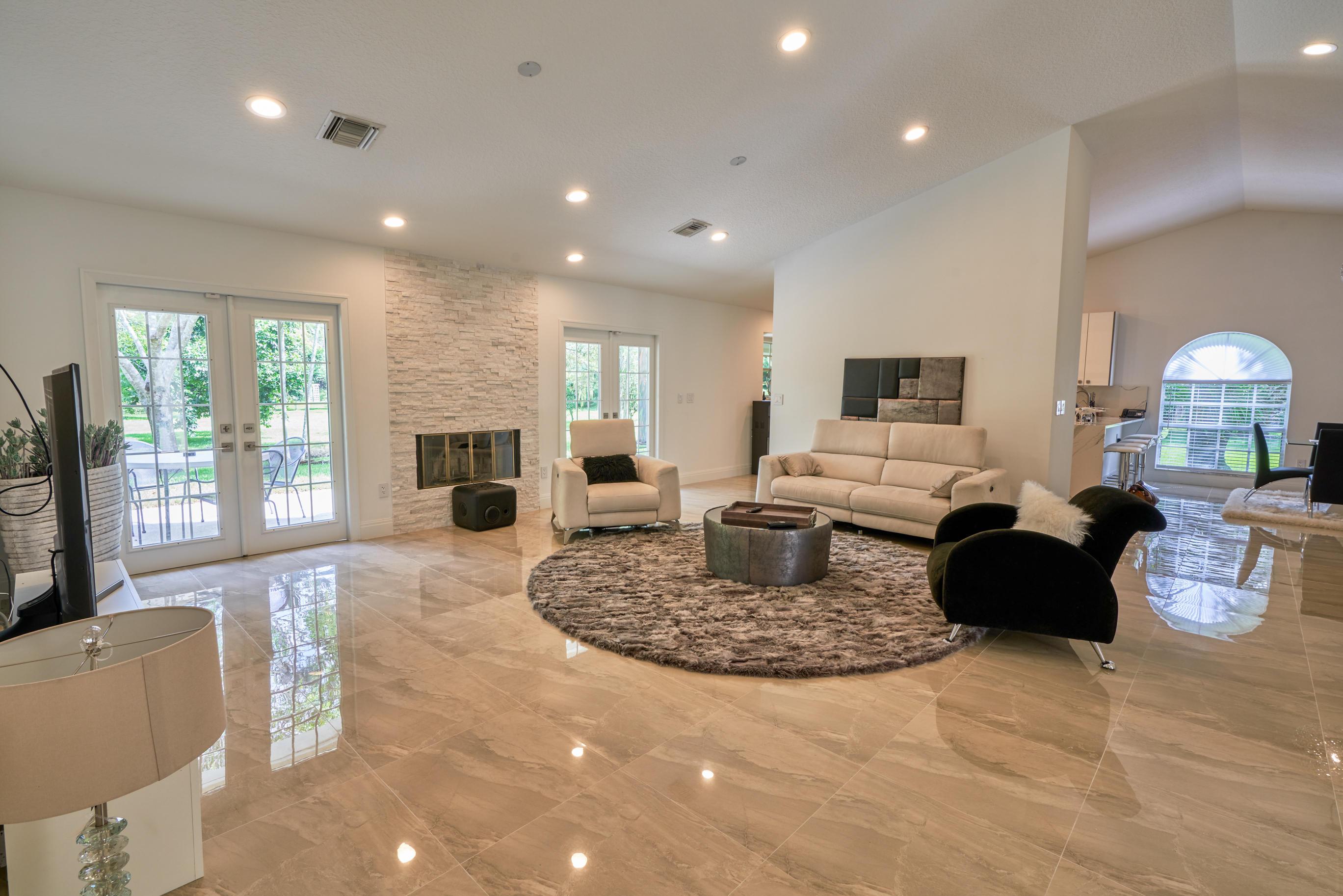 10725 58th Road Lake Worth Fl 33449 Tauber Real Estate