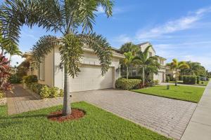 122 Isle Verde Way, Palm Beach Gardens, FL 33418