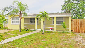 3164 Ocean Parkway, Boynton Beach, FL 33435