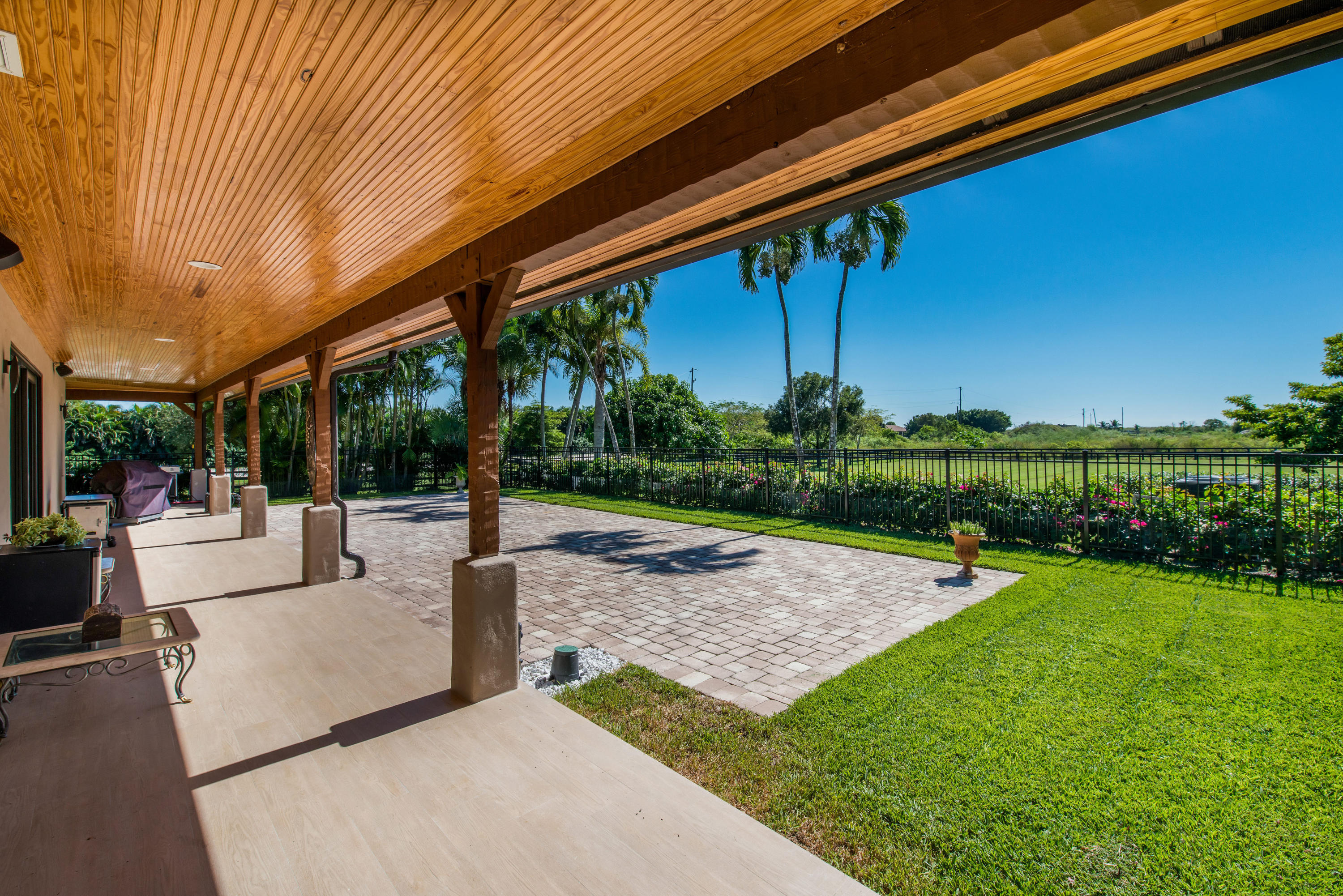 Wellington, Florida 33449, 4 Bedrooms Bedrooms, ,3 BathroomsBathrooms,Residential,For Sale,140th,RX-10477877
