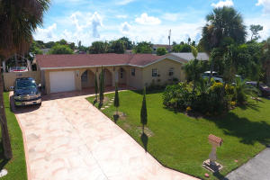 10144 Flag Drive, Palm Beach Gardens, FL 33410