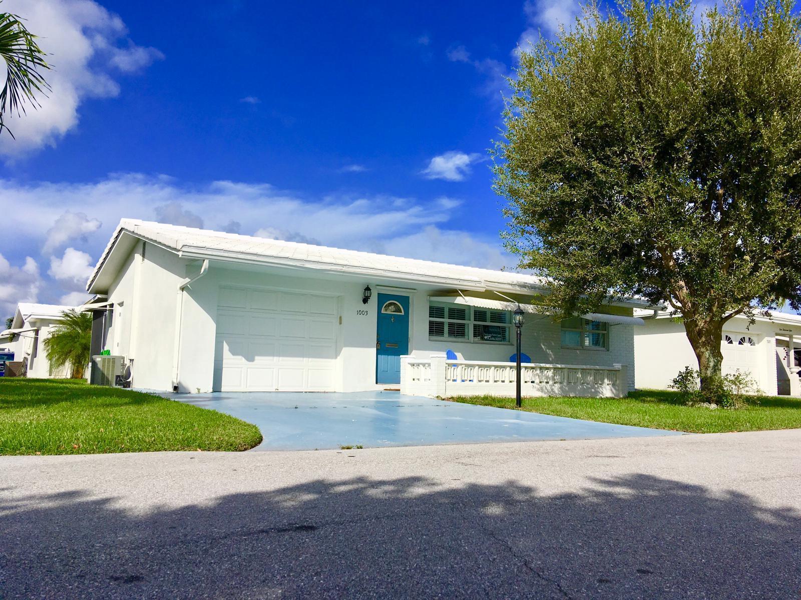 1003 Siesta Avenue, Boynton Beach, Florida 33426, 2 Bedrooms Bedrooms, ,1.1 BathroomsBathrooms,Single Family,For Sale,Siesta,RX-10465488