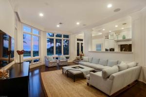 Family Room (Ocean View)