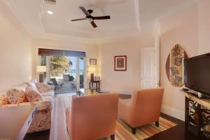 2nd Floor Guest Suite (Ocean View)