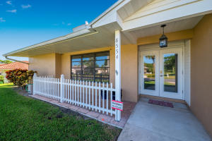 8554 SE Seagrape Way, Hobe Sound, FL 33455