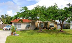 951 SE Thornhill Drive, Port Saint Lucie, FL 34983