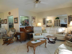 98 Norwich E, West Palm Beach, FL 33417