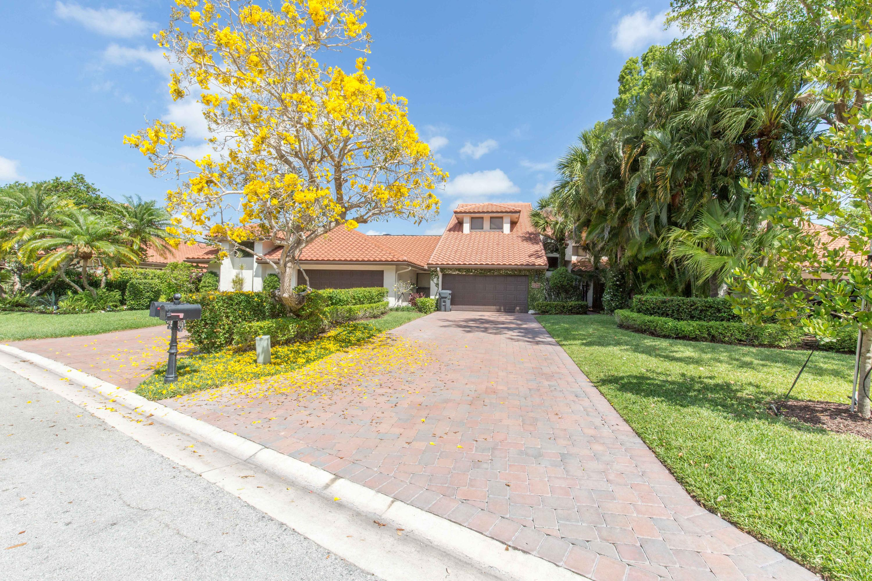 2411 Windsor Way Court, Wellington, Florida 33414, 4 Bedrooms Bedrooms, ,5.1 BathroomsBathrooms,Townhouse,For Sale,PALM BEACH POLO,Windsor Way,RX-10480320