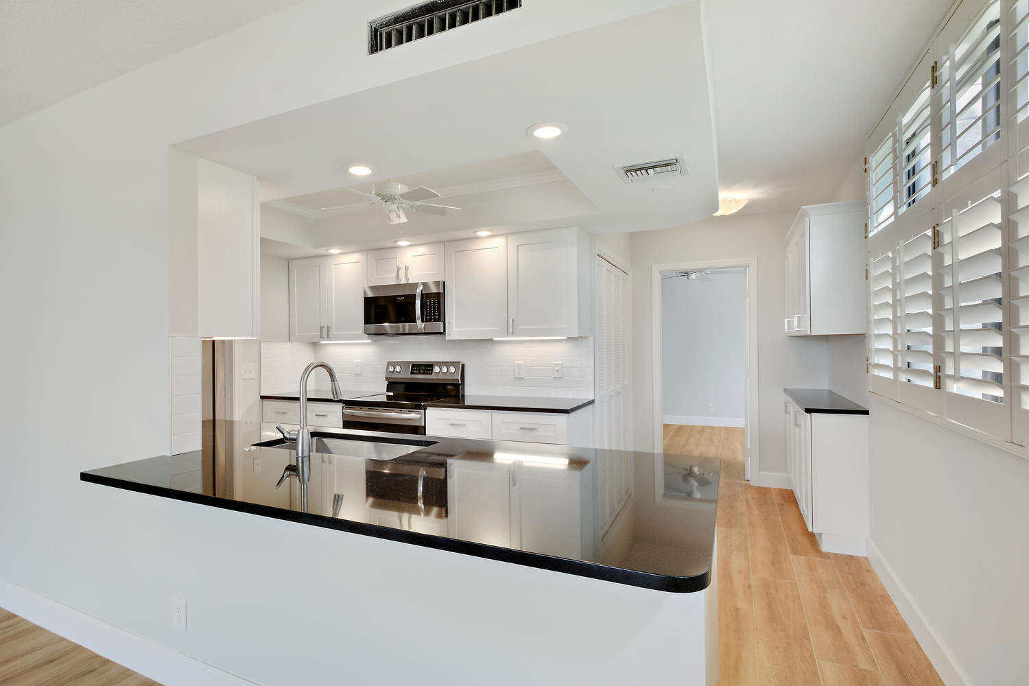 Beautifully Renovated Kitchen