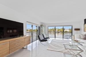 3501 S Ocean Boulevard, 207, South Palm Beach, FL 33480