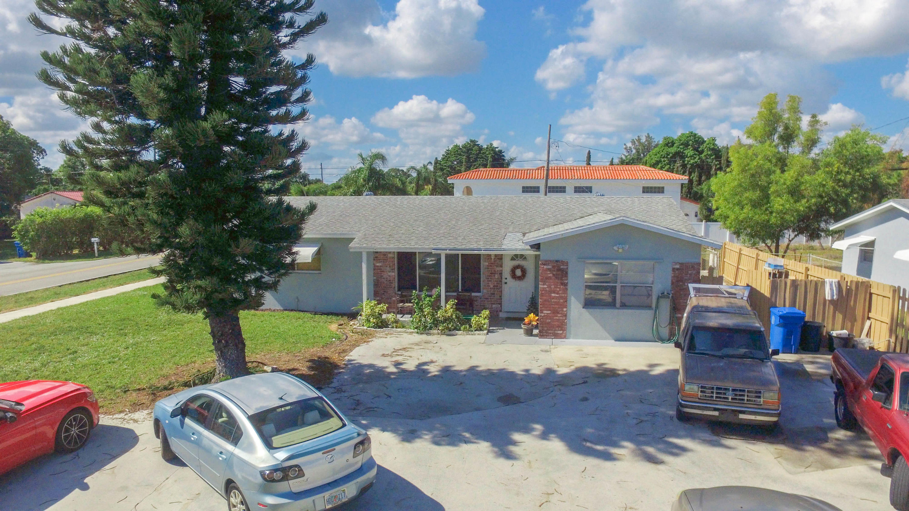 611 Broadway, Lantana, Florida 33462, ,Duplex,For Sale,Broadway,RX-10480897