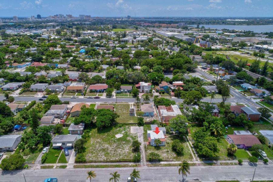 938 33rd Street, West Palm Beach, Florida 33407, ,Quadplex,For Sale,NORTHWOOD,33rd,RX-10480838