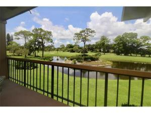 18370 SE Wood Haven Lane, Longwood I, Tequesta, FL 33469
