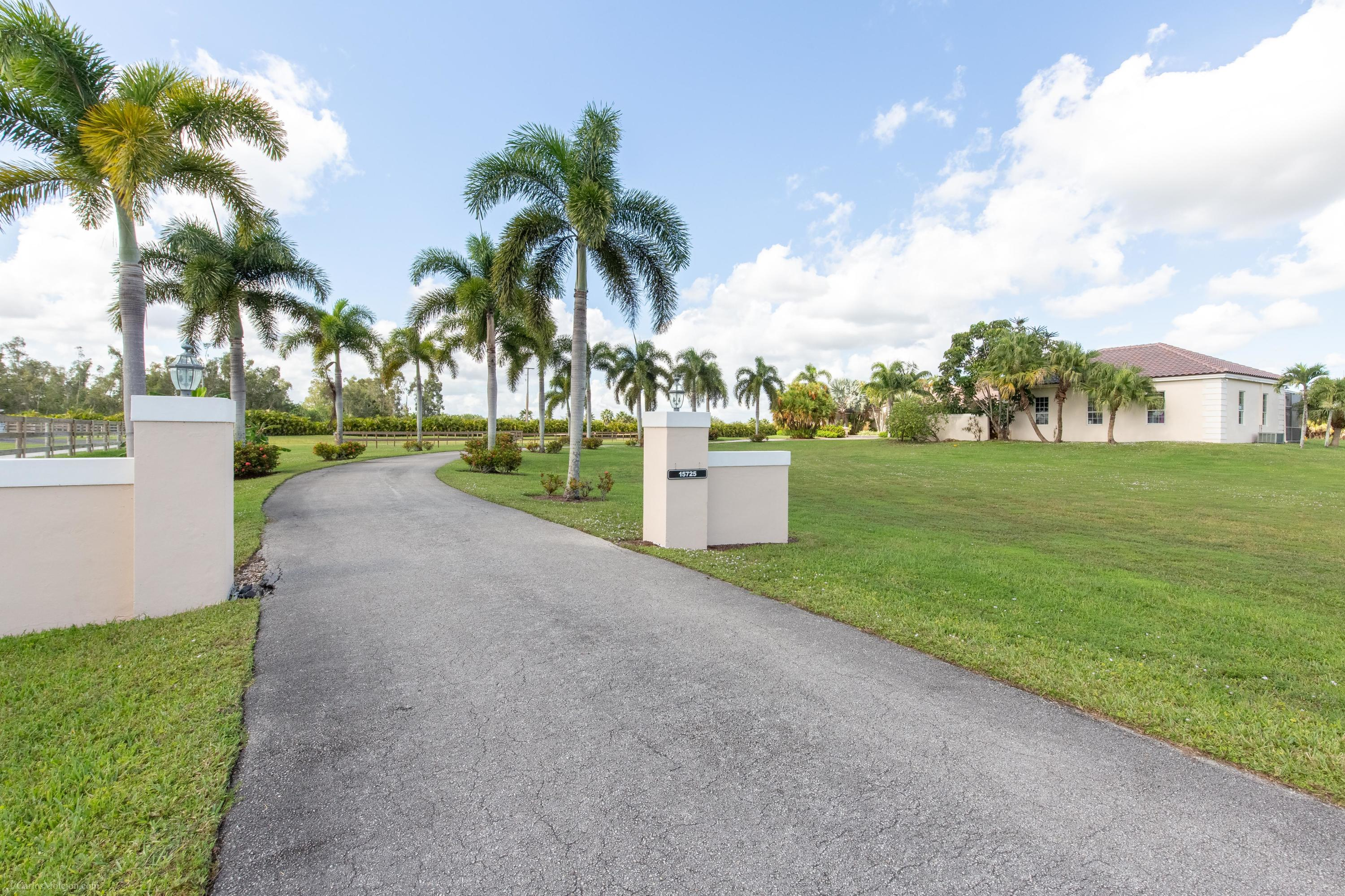 Wellington, Florida 33414, 4 Bedrooms Bedrooms, ,3 BathroomsBathrooms,Residential,For Sale,Estancia,RX-10465529