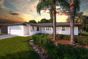 6101 Spruce Drive, Fort Pierce, FL 34982