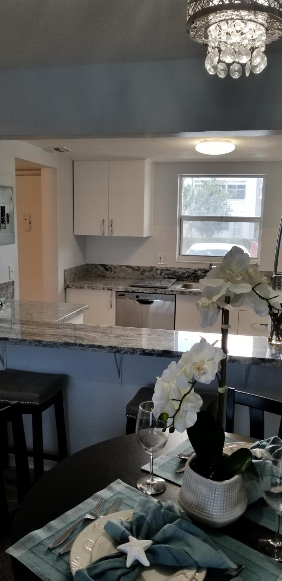 711 Lori Drive, Palm Springs, Florida 33461, 1 Bedroom Bedrooms, ,1 BathroomBathrooms,Condo/Coop,For Sale,Lakeside Village,Lori,1,RX-10481915