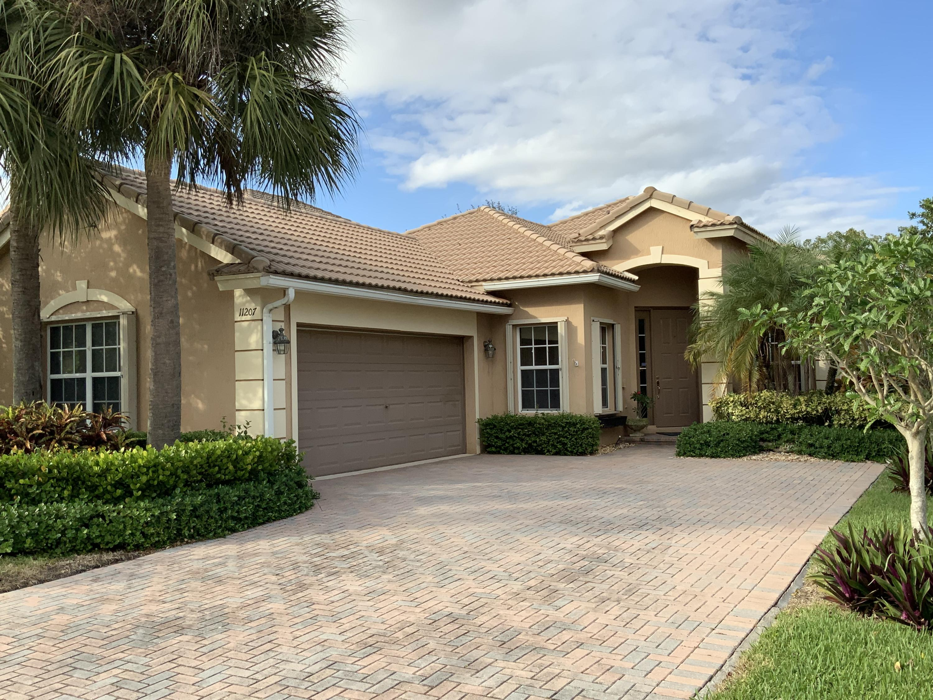 11207 NW 65th Court