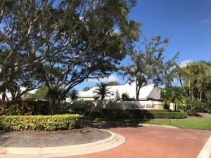 12 Wyndham Lane, Palm Beach Gardens, FL 33418