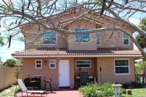 1829 N Palmway, Lake Worth, FL 33460