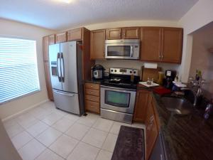 174 Pinewood Court, Jupiter, FL 33458
