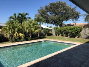 67 Cinnamon Place, Tequesta, FL 33469