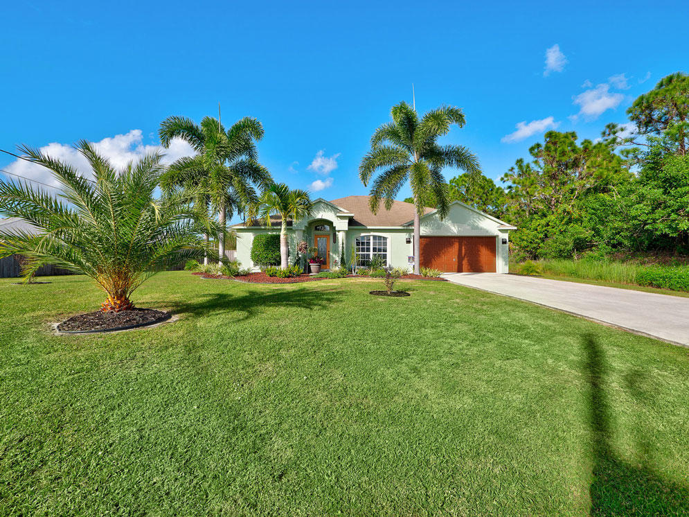 5822 Lisa Court, Port Saint Lucie, Florida 34986, 3 Bedrooms Bedrooms, ,2 BathroomsBathrooms,Single Family,For Sale,Lisa,RX-10483366
