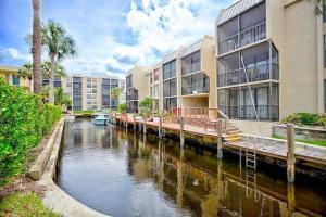 16 Royal Palm Wy Way, 3060, Boca Raton, FL 33432