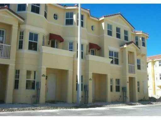 4003 Shoma Drive, Royal Palm Beach, Florida 33414, 3 Bedrooms Bedrooms, ,3.1 BathroomsBathrooms,Townhouse,For Rent,SHOMA/VICTORIA GROVE,Shoma,1,RX-10484196