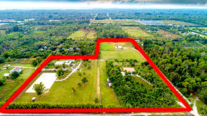 15 ACRES 2 HOMES 9 STALL BARN 8 RUN IN 100X200 IRRIGATED ARENA STALLS 2 REMODELED MOBILE HOMES