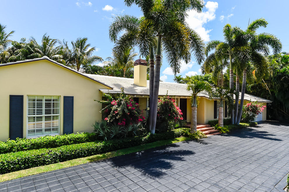 1165 Lake Way, Palm Beach, Florida 33480, 4 Bedrooms Bedrooms, ,4 BathroomsBathrooms,Single Family,For Sale,Lake,RX-10484631