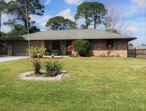 565 NW Placid Avenue, Port Saint Lucie, FL 34983