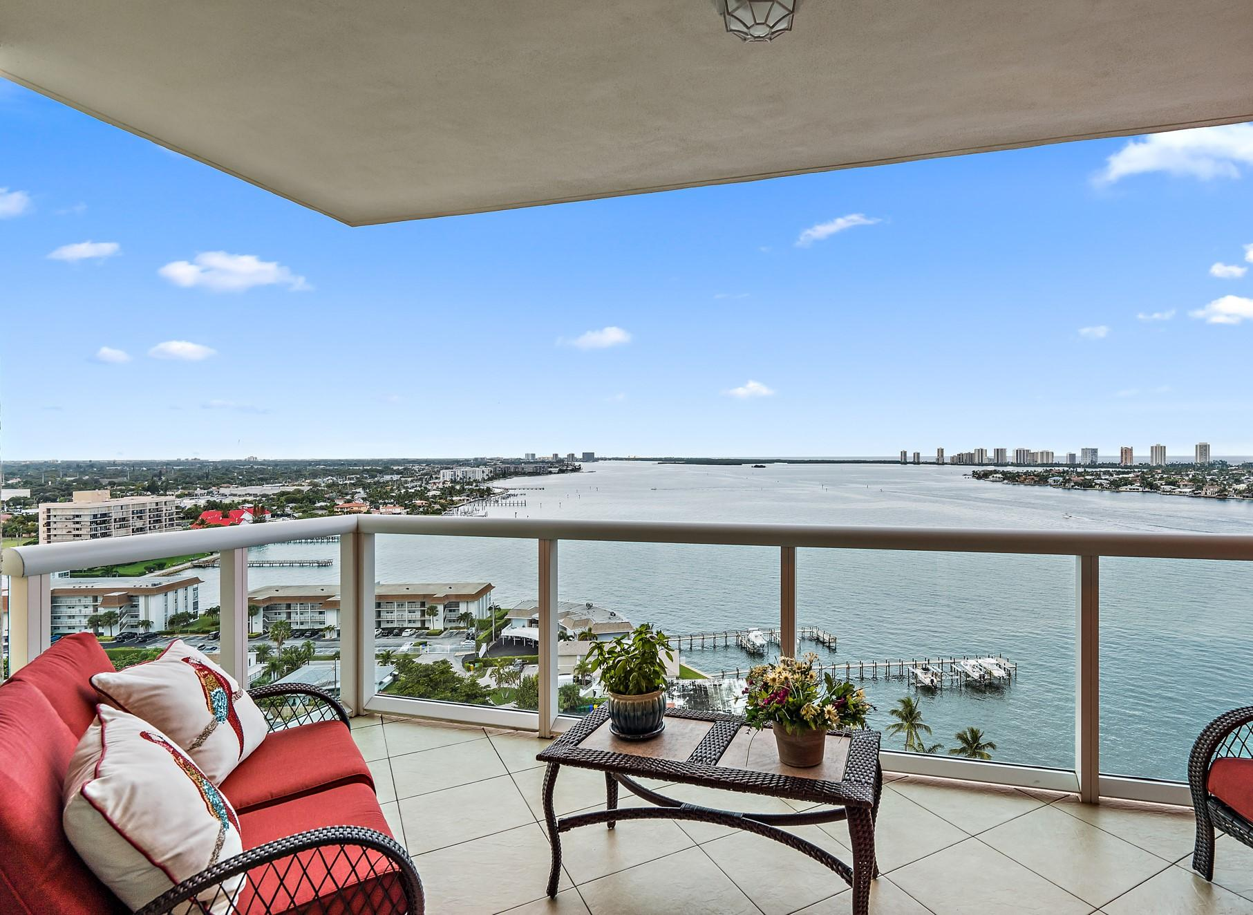 2650 Lake Shore Drive, Riviera Beach, Florida 33404, 2 Bedrooms Bedrooms, ,2 BathroomsBathrooms,Condo/Coop,For Sale,Lake Shore,17,RX-10482621