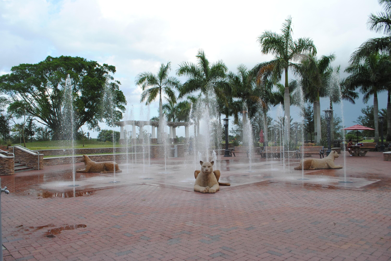 12014 Greenway Circle, Royal Palm Beach, Florida 33411, 2 Bedrooms Bedrooms, ,2 BathroomsBathrooms,Condo/Coop,For Sale,Greenway,1,RX-10476250