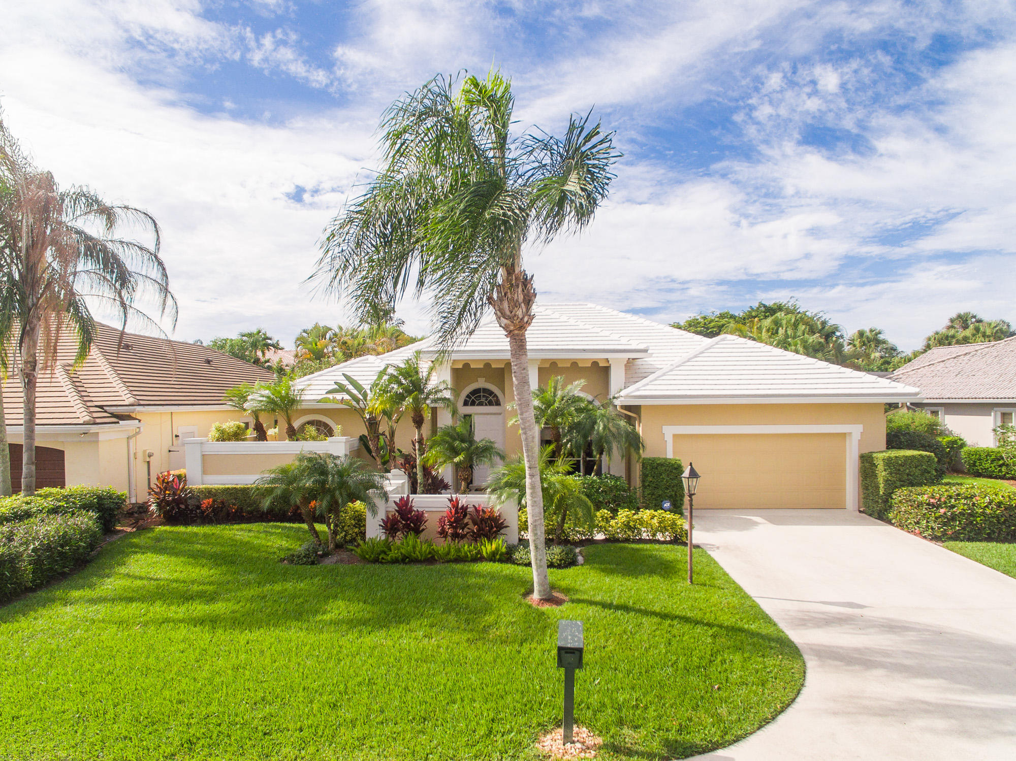 23 Windward Isle(s) Palm Beach Gardens FL 33418