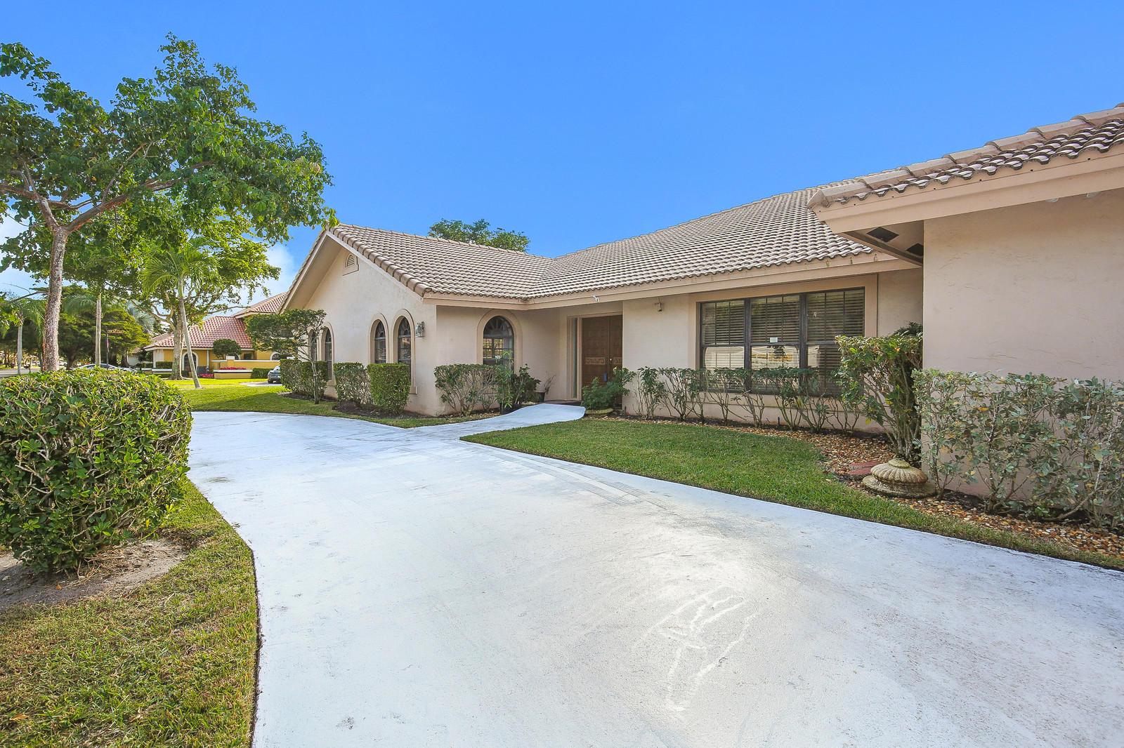 2674 29 Drive, Boca Raton, Florida 33434, 3 Bedrooms Bedrooms, ,4 BathroomsBathrooms,Single Family,For Sale,NEW FLORESTA,29,RX-10483794