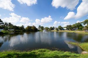 LAKE VIEWS IN STUART